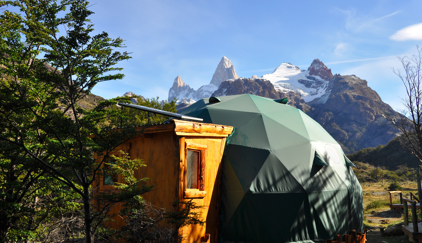 Dome for 3 people with  Co. Fitz Roy. views. Prices expressed in USD.