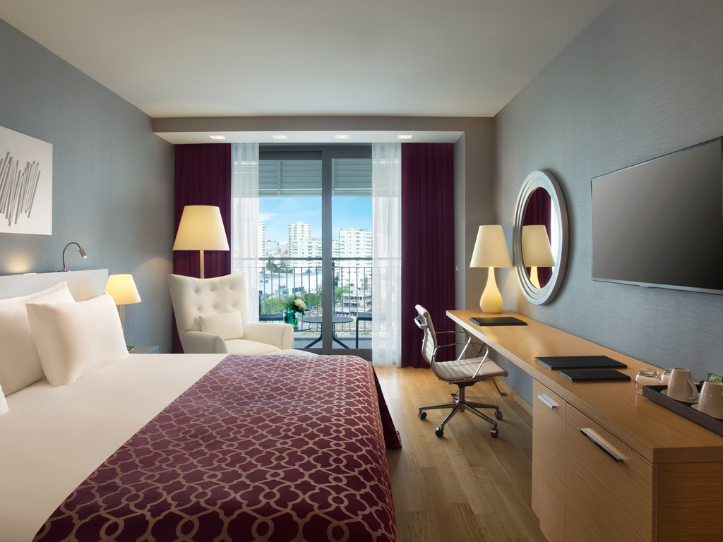 Deluxe Room with City View (Detox Package Included)