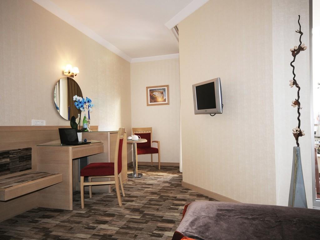 Bed & Breakfast, Deluxe Suite