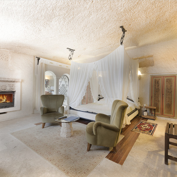 King Cave Suite