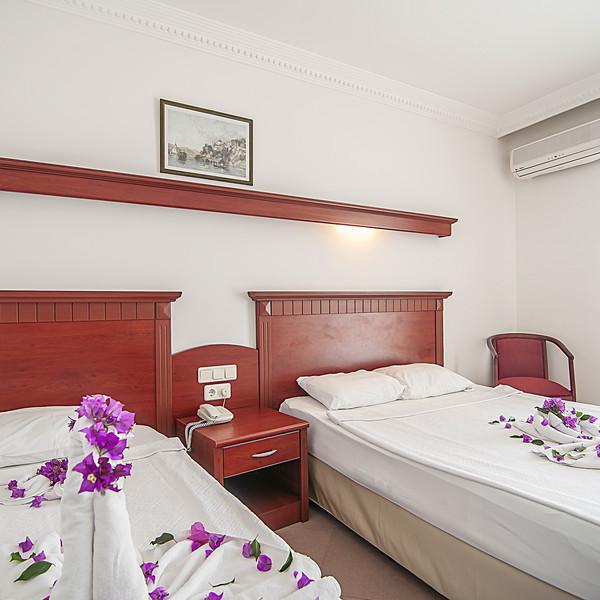 Standard Wide Room