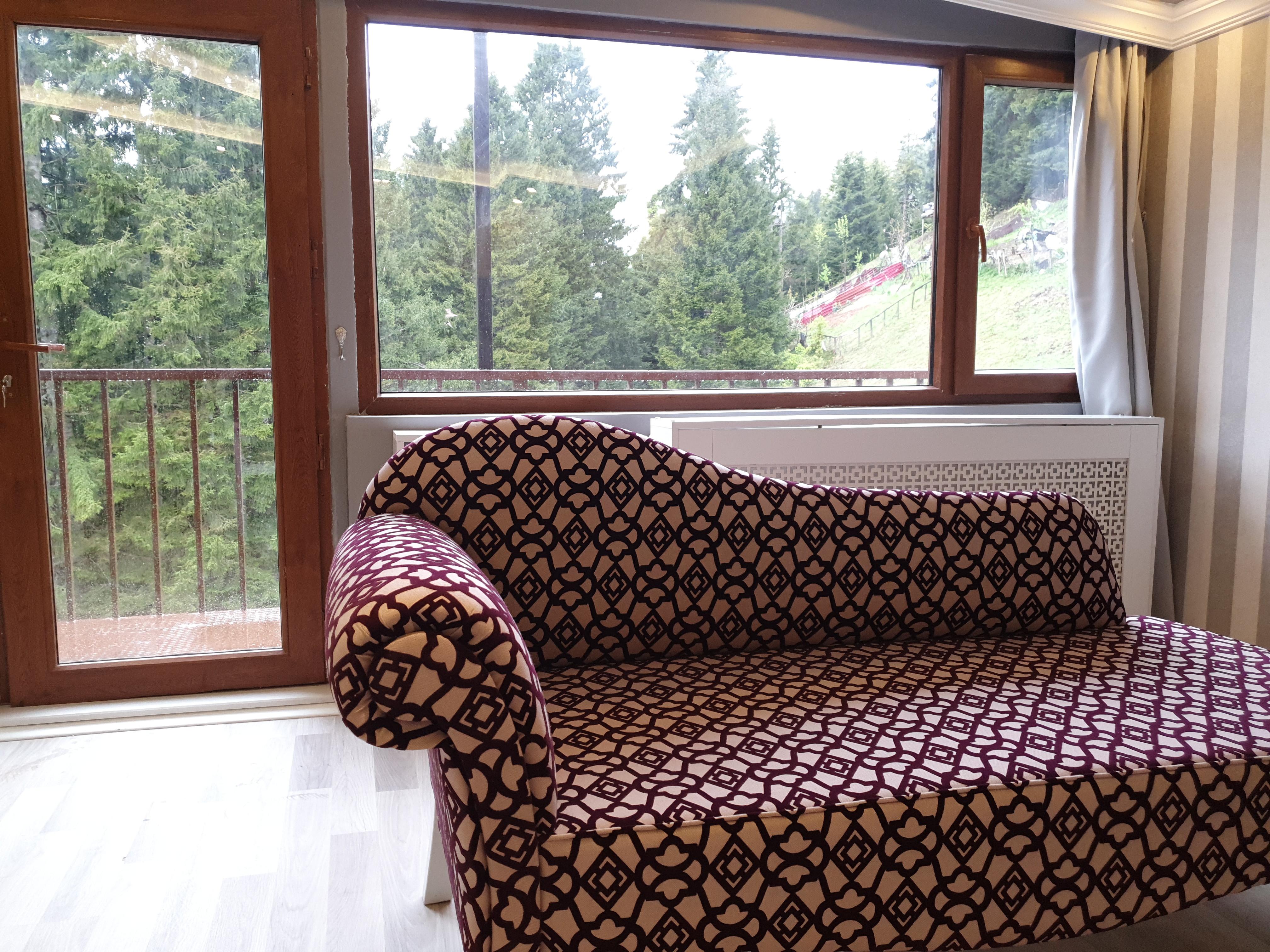 Balkonlu Gri Balayı Odası